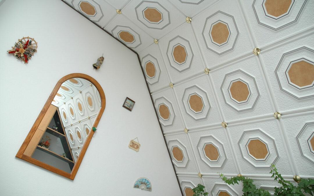 Obložení šikmého stropu v podkroví