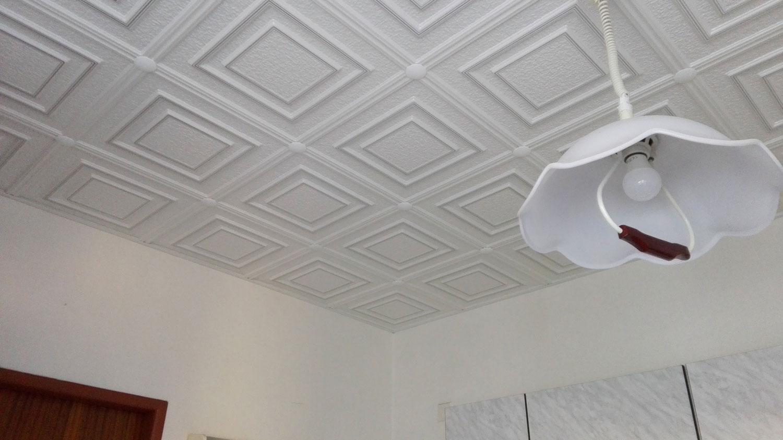 Jak odstranit praskliny na stropě